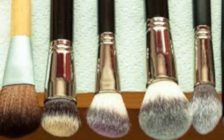 How To wash makeup brushes with ease