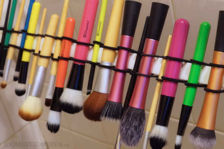 How to Dry your make up brush after washing