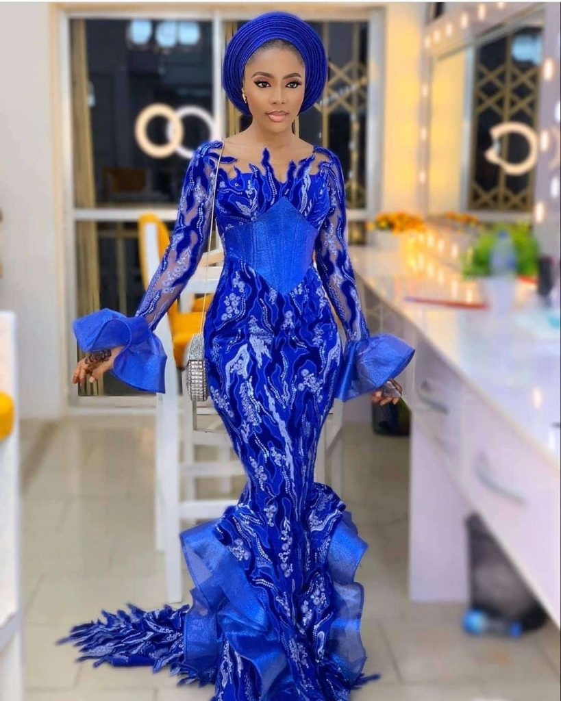 23 PHOTOS Charming Asoebi Styles For Wedding & Engagements 2020