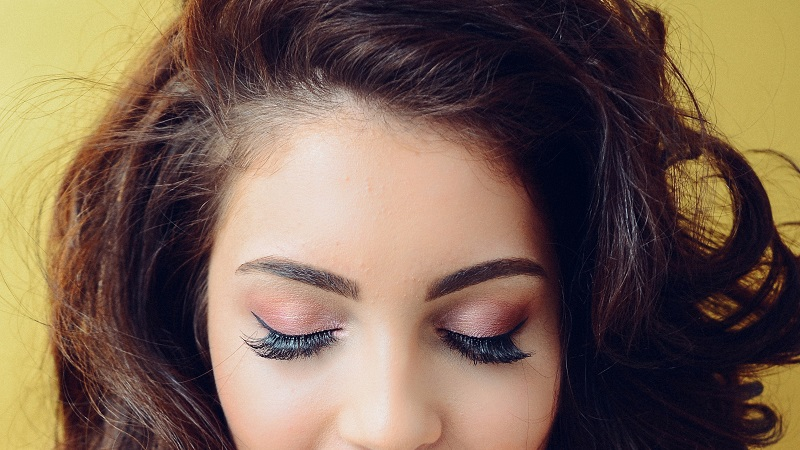 The Best Times To Try Out Eyelash Extensions