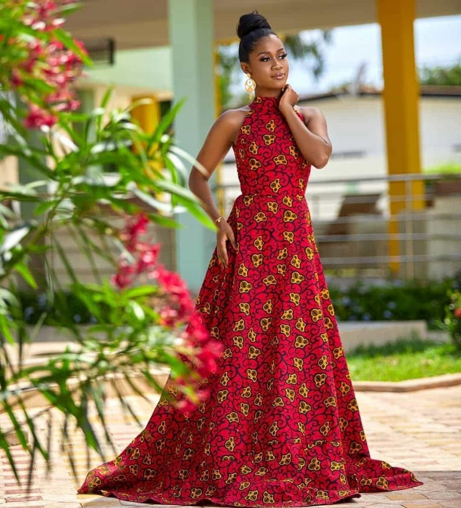 16 PICTURES Extravagant Ankara Styles For Ladies - African Wears 2020
