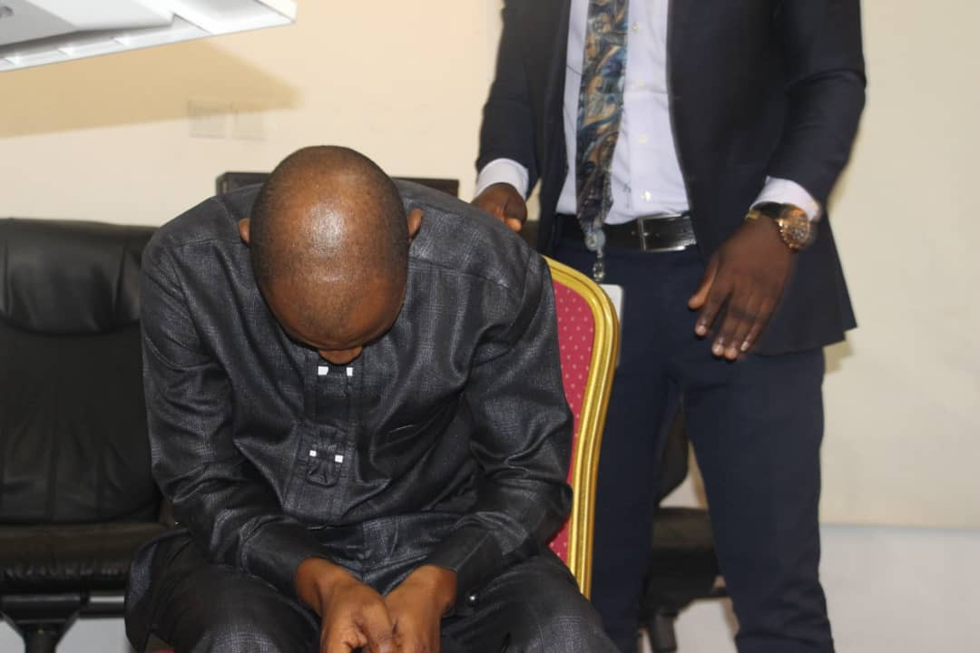 Complainant slumps while narrating ordeal of unlawful arrest, detention and extortion by officers of the defunct SARS police unit (photos)