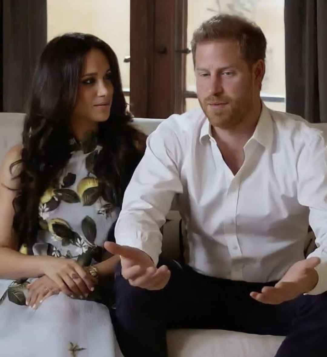 Meghan Markle and Prince Harry make first appearance since announcing pregnancy (video)