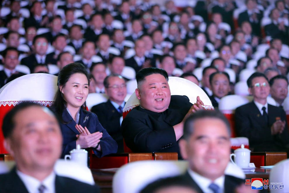 North Korean leader, Kim Jong-un?s wife reappears in public after
